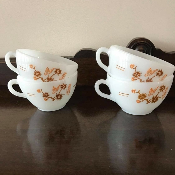 Vintage Termo-Ray Milk Glass Cups